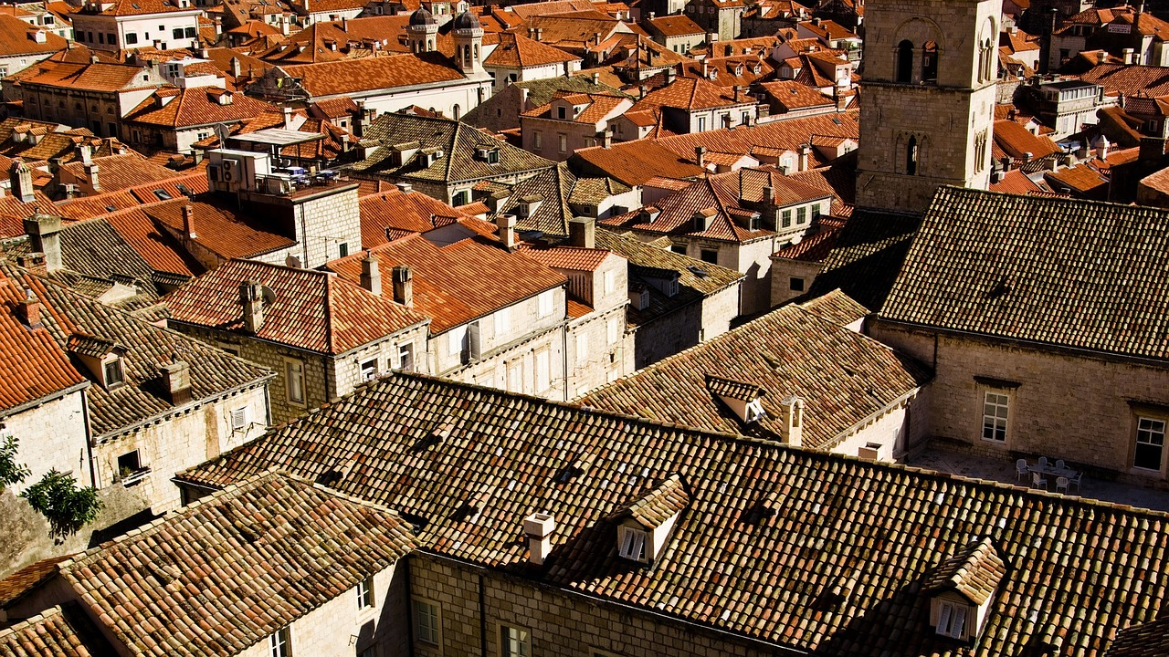 roofs-1186466_1280